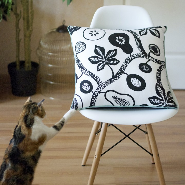 coussin chaise eames chat
